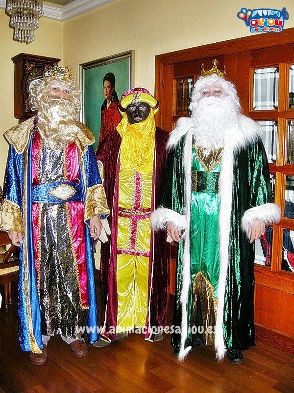 Contratar la visita de los Reyes Magos a domicilio en Barcelona